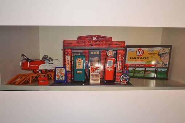 KC Garage Hallmark Gas Station - KC Garage Hallmark Gas Station Antique Advertising Value And Price